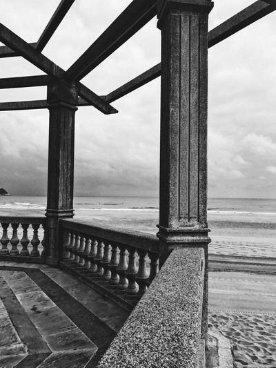Sea Water Horizon Over Water Sky Scenics Beach Nature Tranquil Scene Railing Outdoors Beauty In Nature Day Tranquility Cloud - Sky No People Architecture Blackandwhite Black And White Black & White