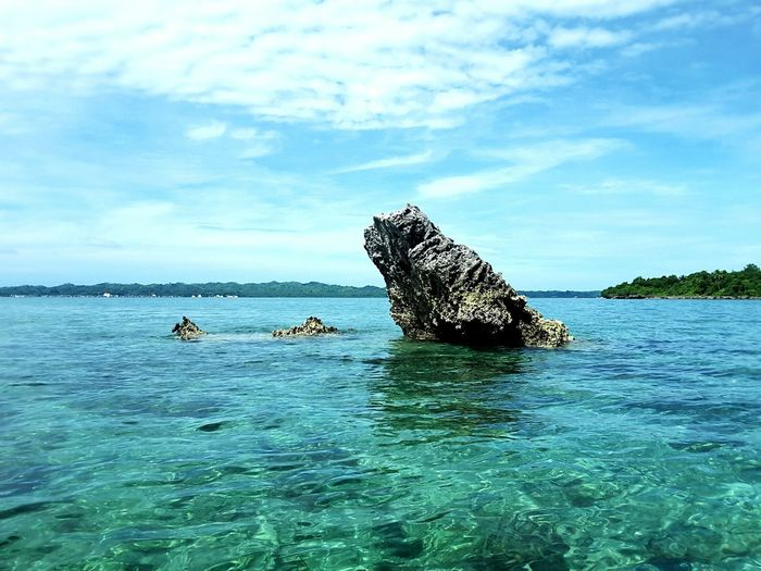 Owl Stone Horizon Over Water Blue Sky Hogaisland Beautiful Sky Blue Water Beautifull Island Clear Water Beach Rock Formation Wakatobidiveresort