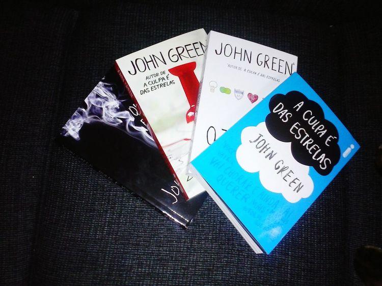 Um já li, só falta 3 ; Ilovebooks Books Aculpaédasestrelas Oteoremakatherine Cidadedepapel Quemevocealasca?