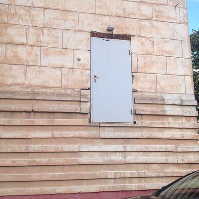 Еще одна дверь в никуда в питере