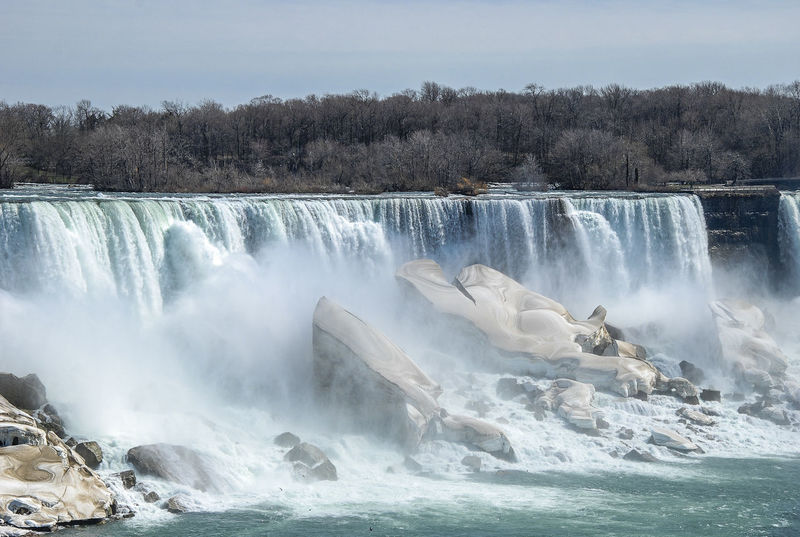 Spectacular Niagara falls landscape in winter American Fall Beauty Natural Beauty Niagara Niagara Fingls Niagara Falls Nigra Fall  Spectacular United States Adventure Beauty In Nature Blue Blue Sky Cold Winter ❄⛄ Day Landscape Nature No People Outdoors Power In Nature River Scenery Scenics Water Waterfall