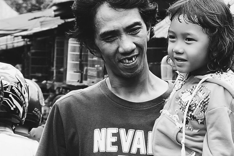 Taking daughter to meet the world Everyday Lives Humaninterest Bw Blackandwhite