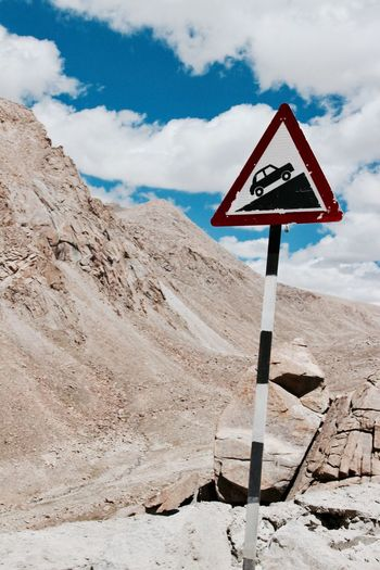 Careful Roadsign Hills Roadtrip Ladakh Warning Sign An Eye For Travel