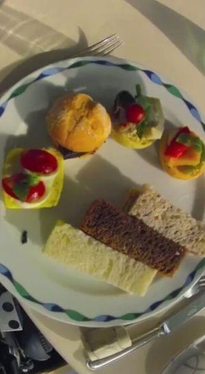 Enjoy A Meal In My Mouf Hi! ?