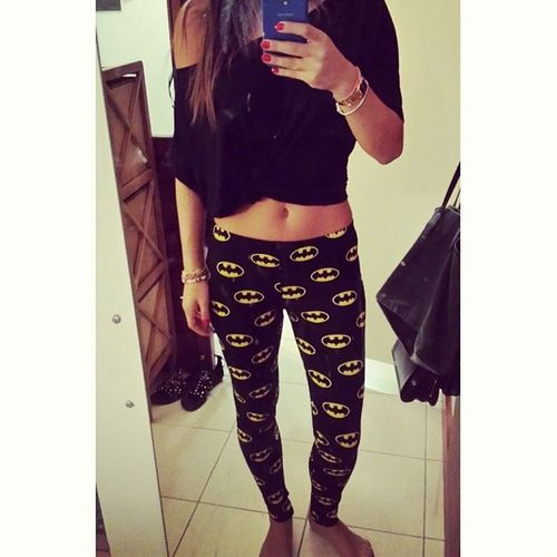 My new fav leggiiings. ? Batman Leggings Ootd Dubaistreetstyle streetstyle thedarkknight style fashion outfitoftheday dubai beirut uae