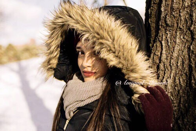 Bella princesa Close-up Winter Portrait Outdoors Young Women Downtown Brooklyn Beautiful Girl Street Photography Beauty In Nature