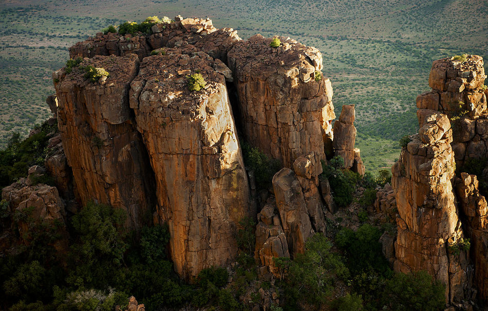 Valley of Desolation Erosion Amazing Geological Formation Ancient Formations Beautiful Sunlight Eastern Cape South Africa EyEmNewHere Geological Marvel Golden Light Incredible Nature Karoo Love Nature Photography Love Nature🌲 Majestic Formation Rocky Mountains Rocky Outcrop Rocky Outcrop Overlooking Valley Of Desolation Scenic View Spandau Kop Stunning Lookout Time Warp Valley Of Desolation
