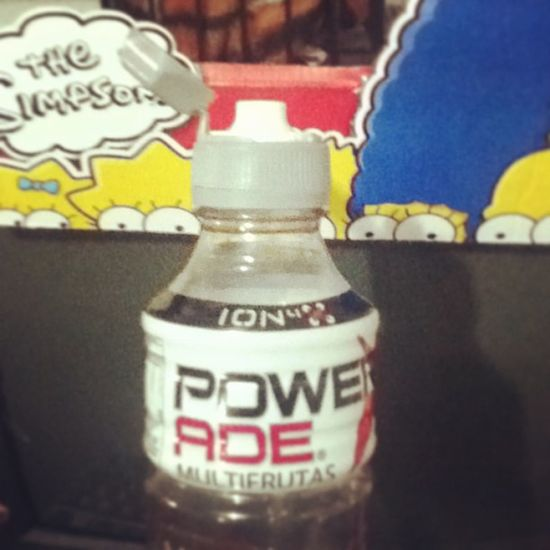 Amo esta botella de Powerade Energy Igersperu