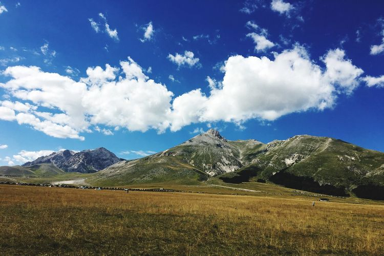 ☀️☁️🌿🌼🌾🍃 Sky And Clouds Landscape Tranquil Scene Sky Cloud Tranquility Scenics Mountain Blue Cloud - Sky Non-urban Scene Solitude Countryside Nature Beauty In Nature Day Mountain Range Remote Cloudy Outdoors Green Color L'Aquila Aq Ristoromucciante