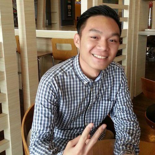 Good day to start your weekend.. Holiday Summermall Tommyboy bumped with @cliffordjunaidi putus cinta lah tuh..lol