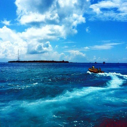 What's Life We Can't Feel Or See The Perfectionist Of The Nature. Clouds ClourPorn Sea Seawaves OneOfTheFinest ShadesOfDarkBlue Lightblue BestTouristVisitPlace 50shadesofblue Boat People Perfectview Cloudydays Onthewaytowork Maldives SunnySideOfMaldives Onedirection Enriqueiglesias RealMadridAllTheWay Manchesterunited Instalike Instapic Tagsforlikes Followforfollow