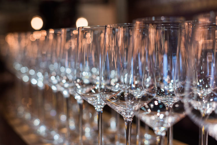 glass of vin Glass Food And Drink Refreshment In A Row Glass - Material Bar - Drink Establishment Drink Large Group Of Objects Household Equipment Indoors  Arrangement Alcohol No People Drinking Glass Bar Counter Transparent Close-up Still Life Container Order Luxury