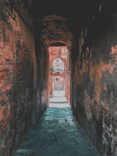 Alleyway 🔓 Architecture The Way Forward History Built Structure No People Indoors  Day Medieval Alleyway Italy Siena EyeEm Best Shots EyeEmNewHere EyeEm Best Edits EyeEmBestPics EyeEmNewHere