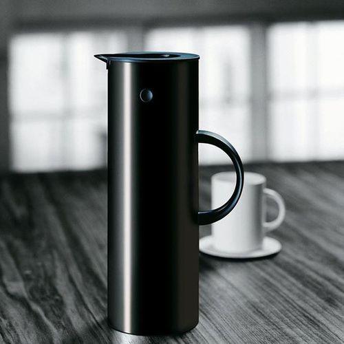 Time for coffee! ☕ Stelton Steltondesign Erikmagnussen Coffee kaffee kaffeepause kaffeezeit coffeetime design designs nordicinspiration nordicdesign scandinaviandesign scandinavianliving blackandwhite danishdesign interiordetails danishinterior