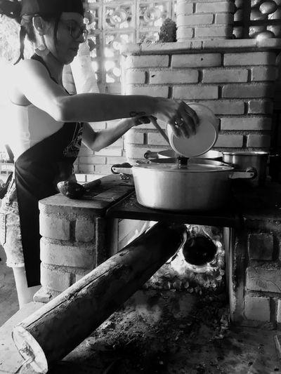 Cozinhando Cooking Cozinhando Woodstove Woodburning Stove Almoço Lunch Monochrome Photography