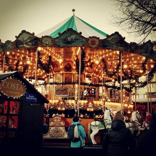 Weihnachtsmarkt Mannheim Karusel Pferd Lichterkette Weihnachten Fest Maroni Abend Inderstadt Базар Карусель Кони Лошадь Гирлянда Вечер Каштан Прогулка