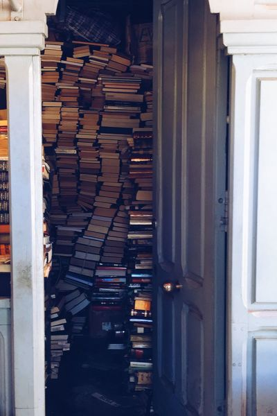 Rustic Beauty Rustic Style Charming Bookstores Street Life Local Market Booklover Bookstore Vintage Shopping Bookshop Shop Store Pile Piled Up Piles Authors Reading Text Words Vintage Business Business Life Interior Views Business Interior Interior Photography