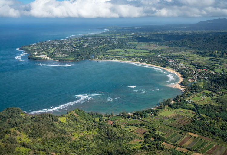 Helicopter tour of the Hawaiian island of Kauai with aerial shots of Hanalei and the Na Pali coast Kauai Kauai Hawaii Hawaii Tourism Tour Helicopter Helicopter View  Aerial View Aerial Aerial Photography Aerial Shot From Above  Landscape Island Na Pali Na Pali Coast Hanalei Hanalei Bay