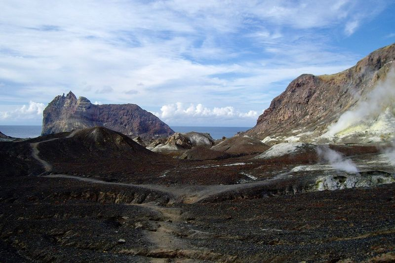 Volcanic crater, white island, new zealand at eye level