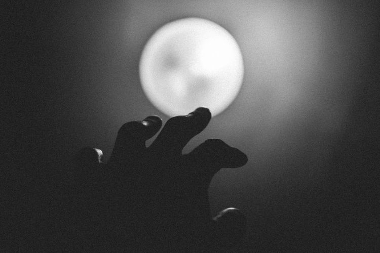- Light Touch Light And Shadow Blackandwhite Taking Photos Photography EyeEm Film Check This Out Eye4photography