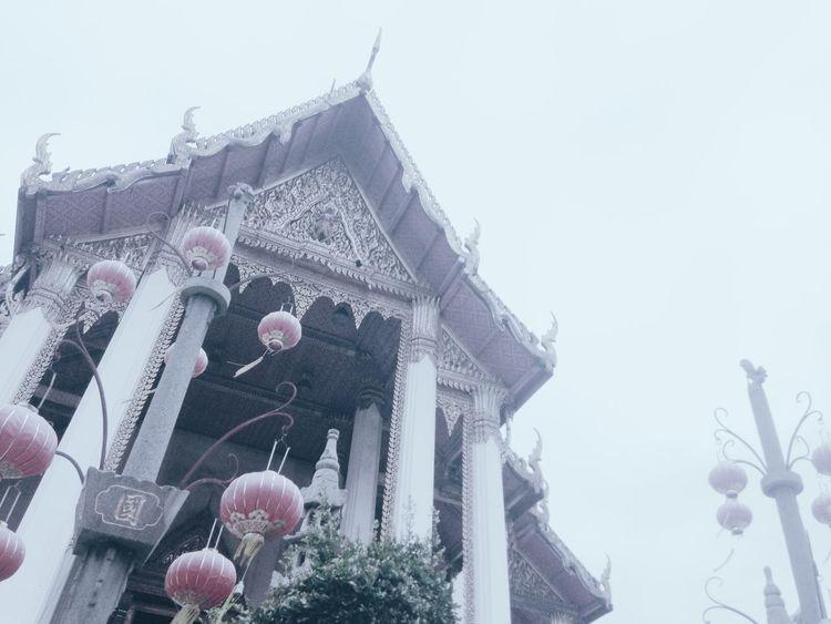 Keep calm and raise your hope up. Thkphoto Temple Buddhism Buddhist Temple Faith Hope Watsuthat Bangkok EyeEm Best Shots EyeEm
