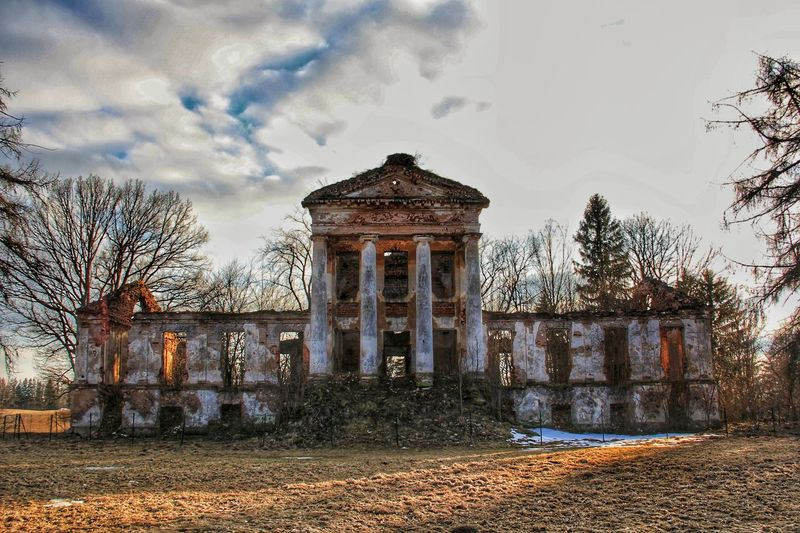 Fire Burnt Lithuania Urbex Oldbuilding Decay Contrast Composition Archtecture Explore Exteriordesign Light And Shadow Boardwalk Outdoors Abandoned Manor House Architectural Column Autumn Sky Architecture Building Exterior Built Structure Cloud - Sky Historic Deterioration Run-down Old Ruin Ruined Damaged The Architect - 2018 EyeEm Awards