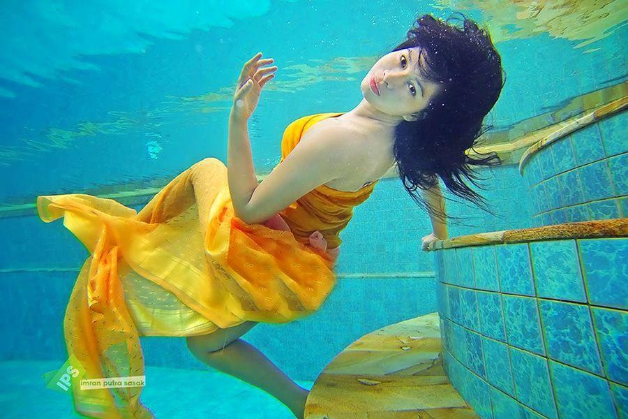 underwater Taking Photos Underwater Photografy Beauty Of Underwater Imranputrasasakgalery