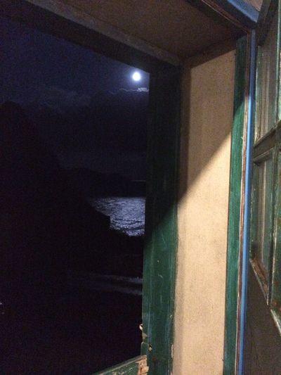 Ireland Moon Irishsea CountyKerry Ballinskelligs Cottage