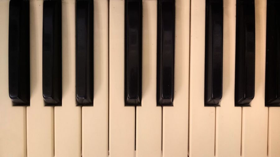 EyeEm Selects piano key minor major above black white chord classical music close-up ebony sound synthesizer musicalkeyboard joy musical-instrument intro grage grand piano macro