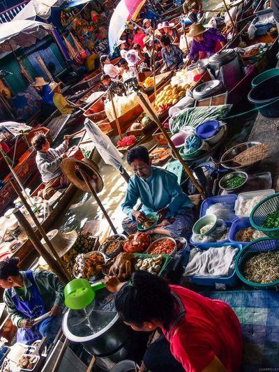 Thailand Bangkok Floating Market Boatman Vibrantlife Under Pressure Asian Culture My Daily Commute The Traveler - 2015 EyeEm Awards