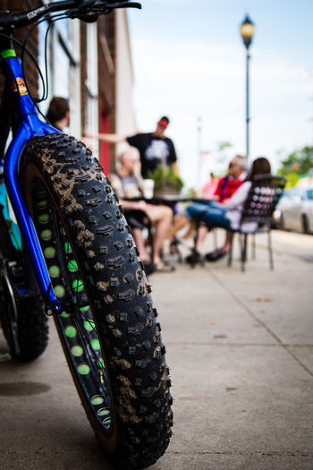 Fatbike Fatbikes Lifestyles Men Mountainbike Mountainbikelife Real People Selective Focus Trails