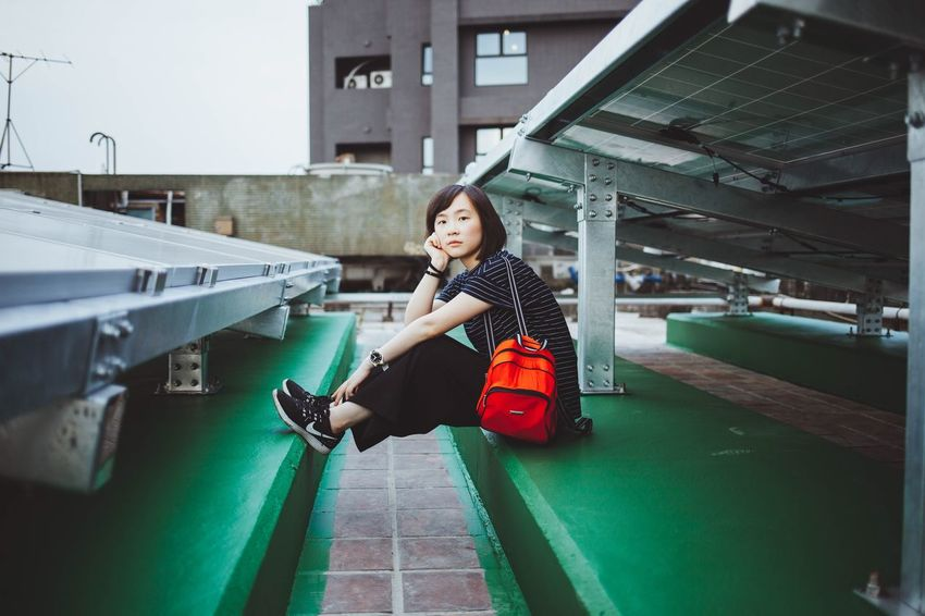 EyeEm Best Shots Photography City Taiwan Taipei EyeEmNewHere Enjoying Life Daily Life 台灣 台北 EyeEm Bestoftheday Way2ill Street Streetphotography Canon 人像 Portrait Women Portrait Of A Woman Girl Rooftop One Person Real People Full Length Architecture Lifestyles Casual Clothing Built Structure EyeEmNewHere