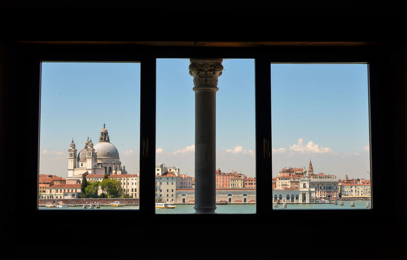 Architectural Column Architectural Feature Architecture Built Structure Casadeitreoci Giudecca No People Travel Destinations Venezia Venice, Italy The Architect - 2016 EyeEm Awards