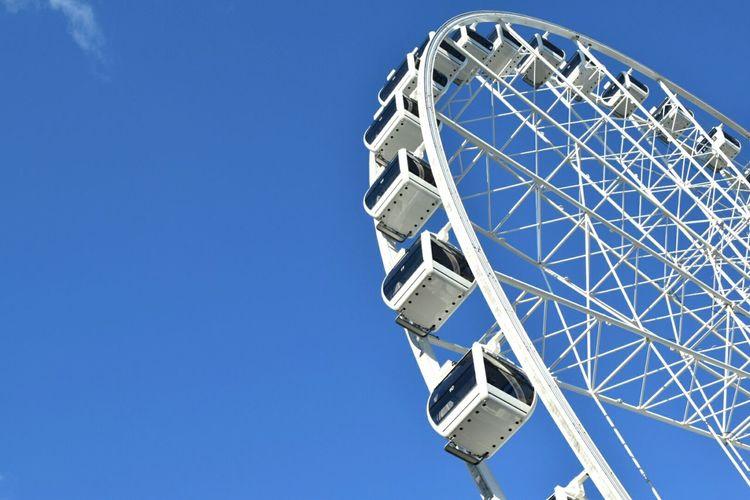 Sometime ago in Brisvegas....🎡 もっと大きな観覧車に乗りたいな❤ Brisbane Brisbane City Brisbane Australia Ferris Wheel 観覧車 青 青空 Blue Sky Blue White Hanging Out Enjoying Life Life Is Good Brisvegas Rides 乗り物
