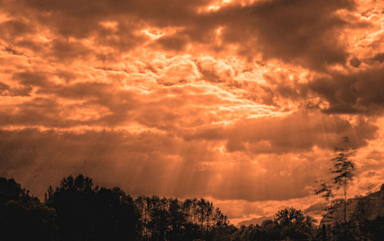 Beauty In Nature Cloud Cloudscape Cloudy Couds And Sky Low Angle View Nature Orange Color Outdoors Sky Sun