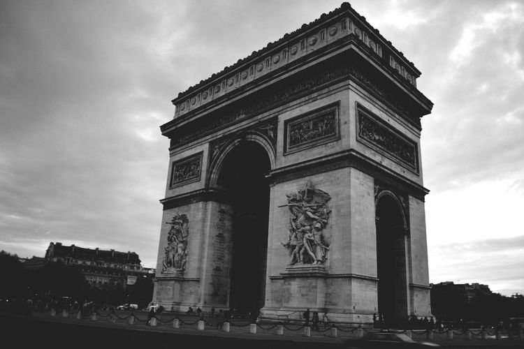L'arc De Triomphe Paris France Architecture_bw Historical Monuments Architecture Architecture_collection Amazing Architecture Open Edit Shades Of Grey Miles Away Your Ticket To Europe