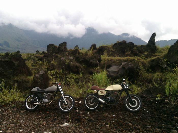 Stonehenge in garut 😁 GarutEndah Caferacer Mt_guntur Garut CMS Garutwestjava
