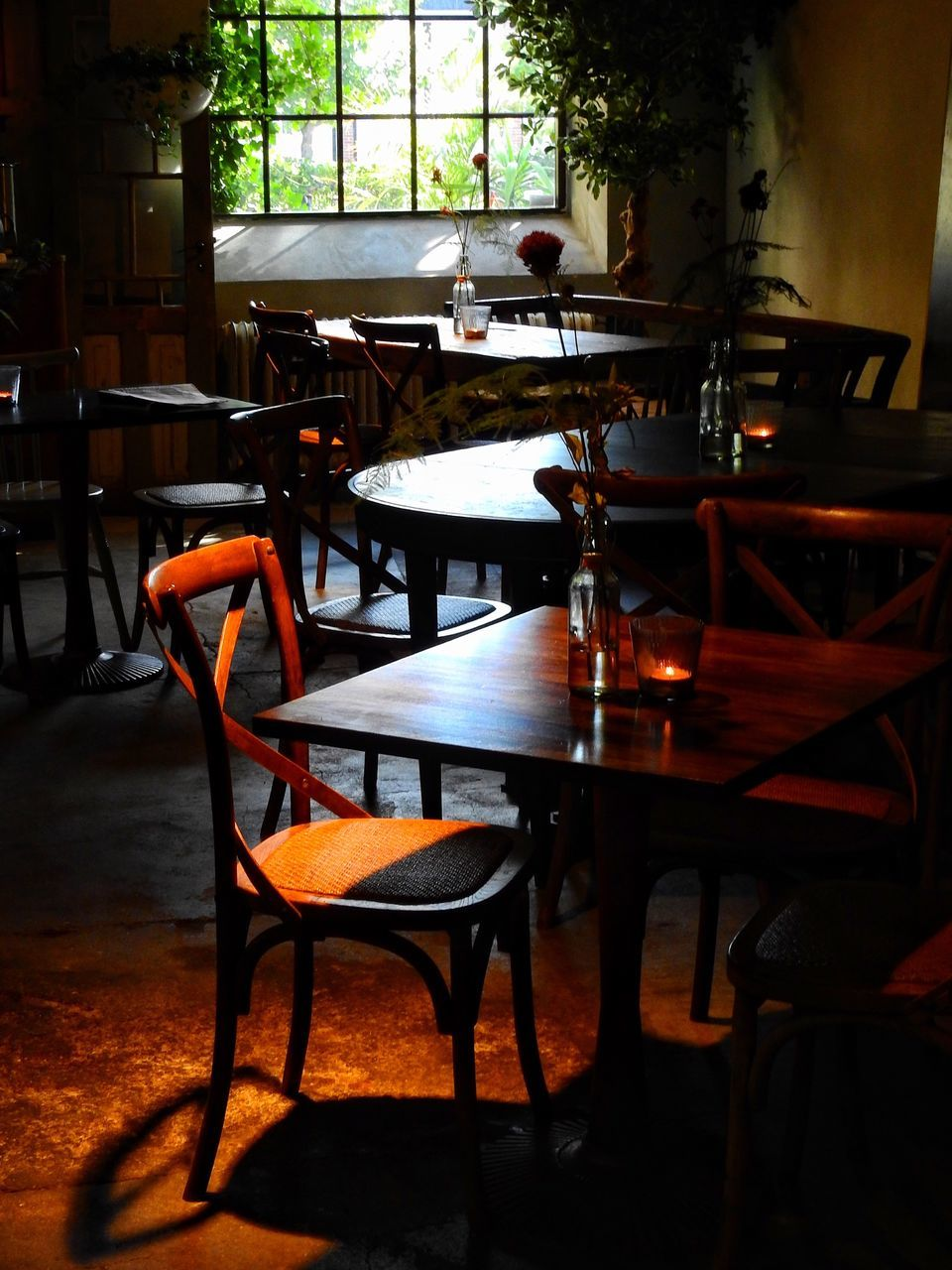 table, chair, empty, restaurant, indoors, absence, no people, furniture, day