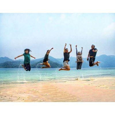 Hey Ho...let's jump Jumpworld Jumpstyle Ocean Sea Beauty Jump VSCO Vscocam Iphonesia World Instagoodnight Instagood Instanusantara Sky Marítim Onebreath Apnea Culture INDONESIA