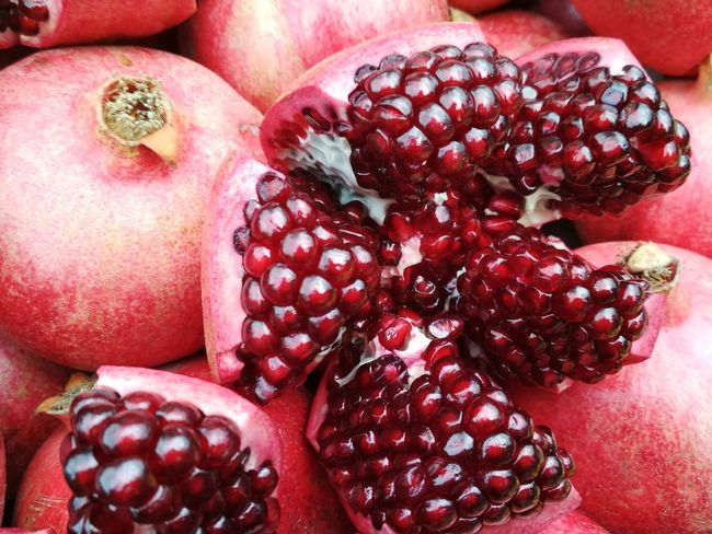 Pomegranate Vegan Delicios Yellow Tasty Vegetarian Vegan Food Green Vegetarian Food Cold Veg Foodpics Colors Appetizer Garlic Cuisine Fruit Red Pomegranate Food Food And Drink Healthy Eating Cross Section Day No People Freshness Pomegranate Seed Pitaya Indoors  Seed Close-up