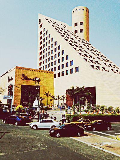 Urban Geometry Posh Shopping