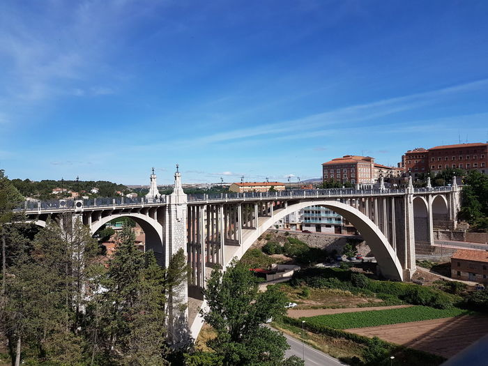Puente andante. Photography Themes