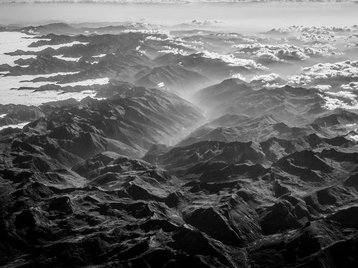 im Flugzeug über den Alpen, in the airplane above the alpenmountains Airial Photography Alpenpanorama Alpine Beauty In Nature Blackandwhite Photography Mountain Mountain Range Nature Outdoors Tranquil Scene Tranquility Valley
