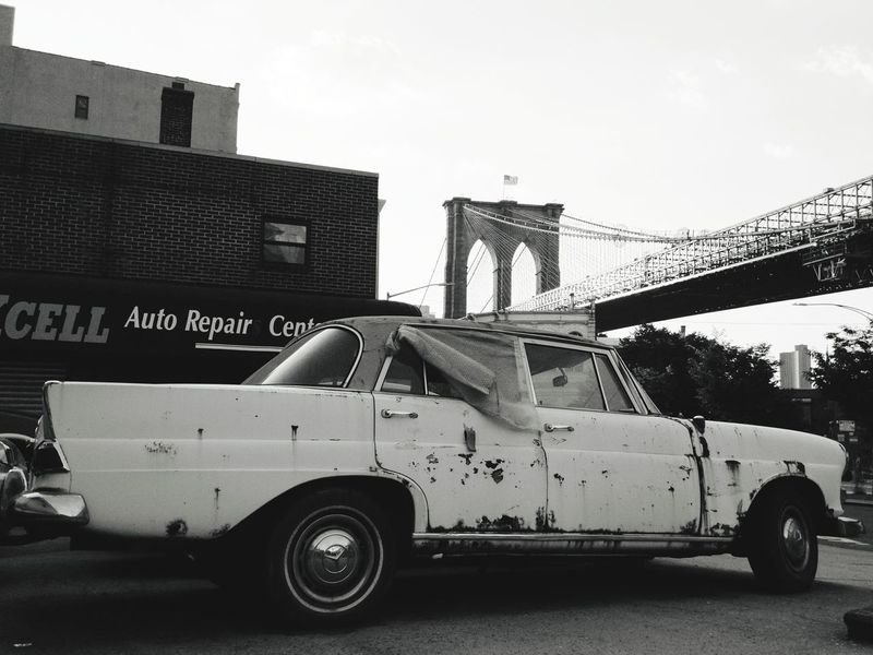 Transportation Mode Of Transport No People Outdoors Architecture Day Junk Cars Junk NYC Brooklyn Bridge / New York Brooklyn Brooklyn Bridge  Old Car The Architect - 2017 EyeEm Awards The Street Photographer - 2017 EyeEm Awards The Street Photographer - 2017 EyeEm Awards Sommergefühle 100 Days Of Summer The Week On EyeEm Adventures In The City