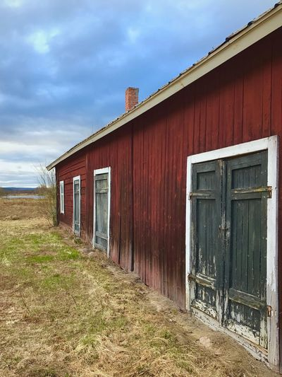 Barn Architecture Built Structure Outdoors Abandoned No People Old Doors Building Exterior övertorneå Matarengi Day Cloud - Sky