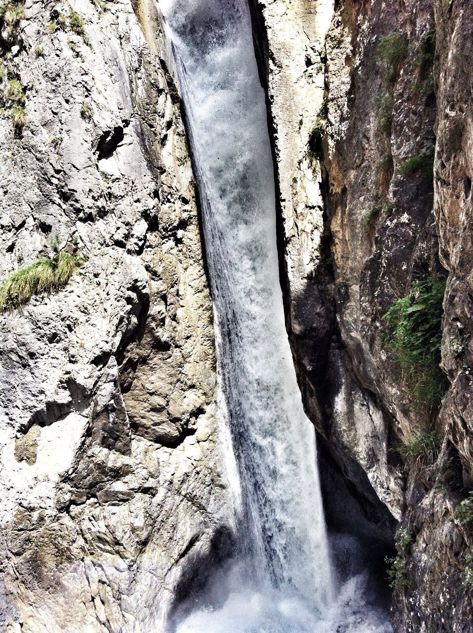 nature, no people, rock - object, waterfall, scenics, outdoors, day, river, beauty in nature, water, mountain, close-up