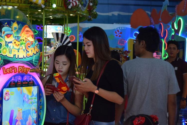 Mobile Conversations Women Around The World Gamezone Mobilephone Women People EyeEmNewHere