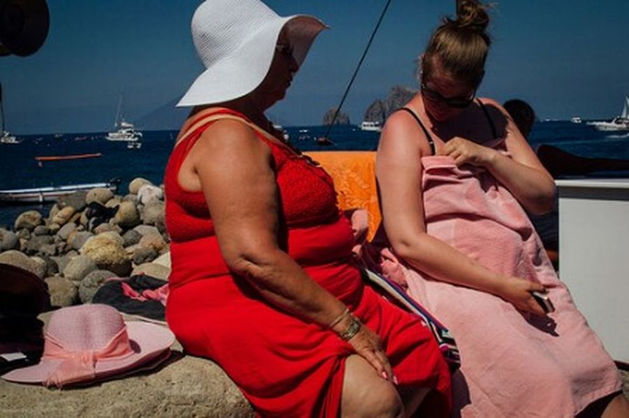 Panarea Isole Eolie Sicilia Sicily Italia Italy Streetphotography Street Photography Candid Photography Women Colors