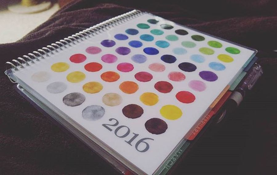 I caved. I got a $50 gift card to Staples from my darling coworkers at the florist, which sealed my fate of trying an Erincondren planner this year. As much as I love Bulletjournal style, I don't have the inspiration, motivation or time to set it up.