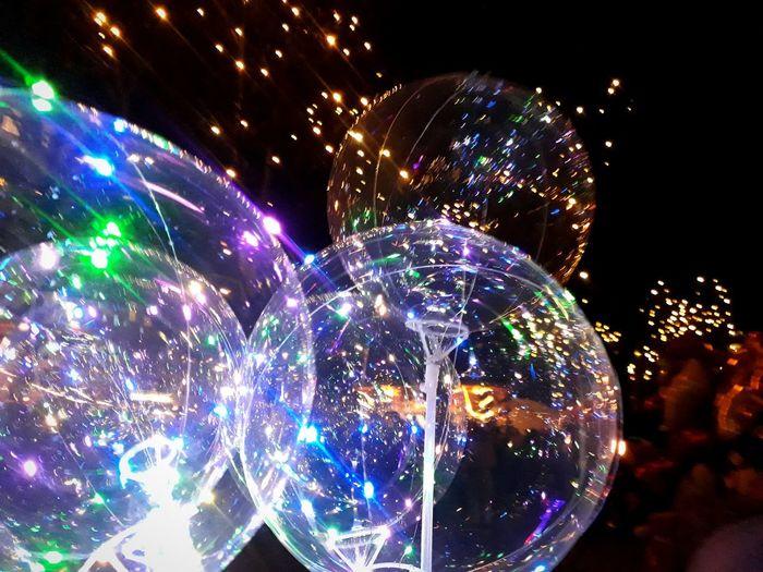 Christmas Market Balloon Glitter Night Nightphotography Illuminated Multi Colored Christmas Decoration City Nightlife Celebration Christmas Close-up Christmas Lights Light Trail Light Painting